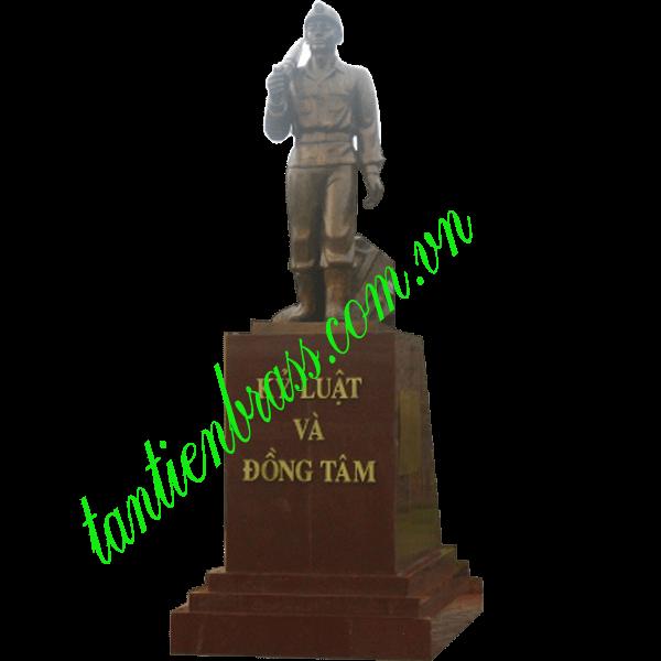Tượng đài công nhân mỏ TD02