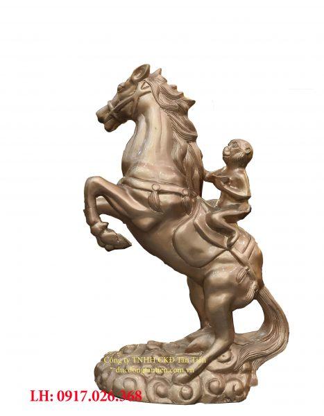 Khỉ cưỡi ngựa