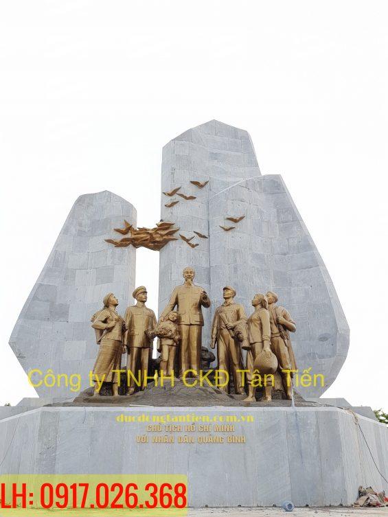 cụm tượng đài bác hồ với nhân dân Quảng Bình